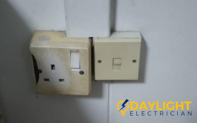 power-socket replacement-power-socket-installation-electrician-singapore-hdb-woodlands-6_wm