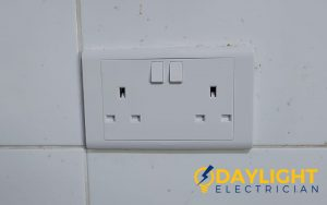 socket-replacement-power-socket-installation-electrician-singapore-hdb-toa-payoh-4_wm