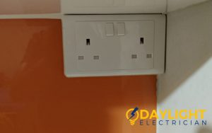 power-socket-replacement-power-socket-installation-electrician-singapore-hdb-toa-payoh-2