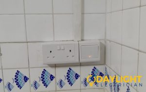 power-socket-replacement-power-socket-installation-services-electrician-singapore-hdb-tampines-2