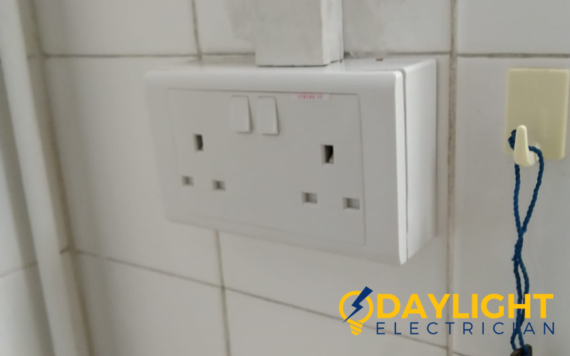 power-socket-and-switch-replacement-power-socket-services-electrician-singapore-hdb-sin-ming-3_wm