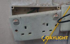 power-socket-replacement-power-socket-services-electrician-singapore-hdb-rochor-5_wm