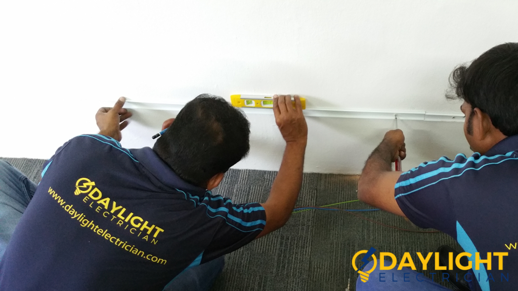 daylight-electrician-careers-photo-daylight-electrician-singapore