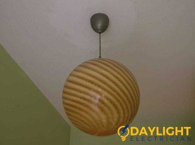 light-bulb-replacement-light-replacement-services-electrician-singapore-hdb-punggol-1