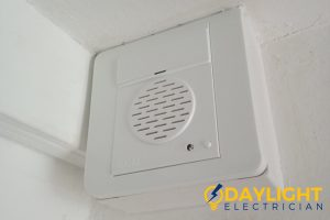 no-interference-benefits-of-installing-wired-doorbell-installation-daylight-electrician-singapore