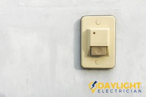 ring-on-its-own-signs-to-have-doorbell-replacement-daylight-electrician-singapore