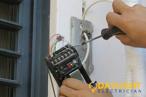 troubleshooting-hiring-electrician-doorbell-installation-daylight-electrician-singapore
