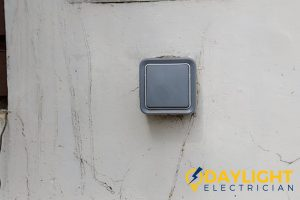 wired-doorbell-benefits-of-installing-wired-doorbell-installation-daylight-electrician-singapore
